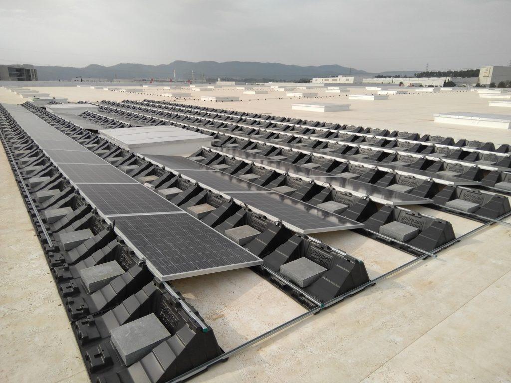 Instalación fotovoltaica lastrada